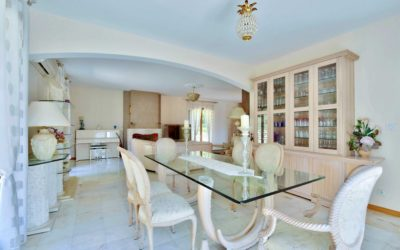 Salon d'une maison à Couzon au Mont d'Or 69270 chambre Montée Georges Lyvet