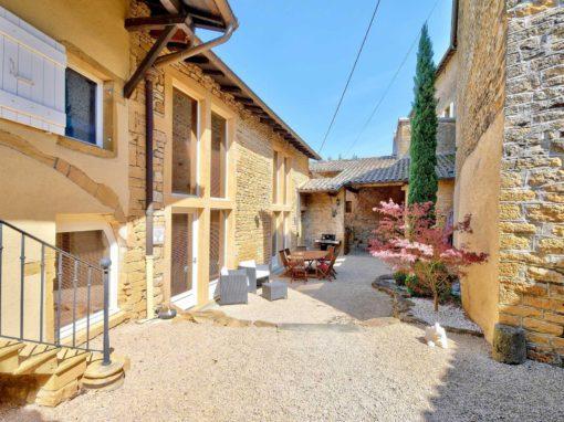 Photos pour vente de maisons dans le beaujolais à Ville sur Jarnioux 69640