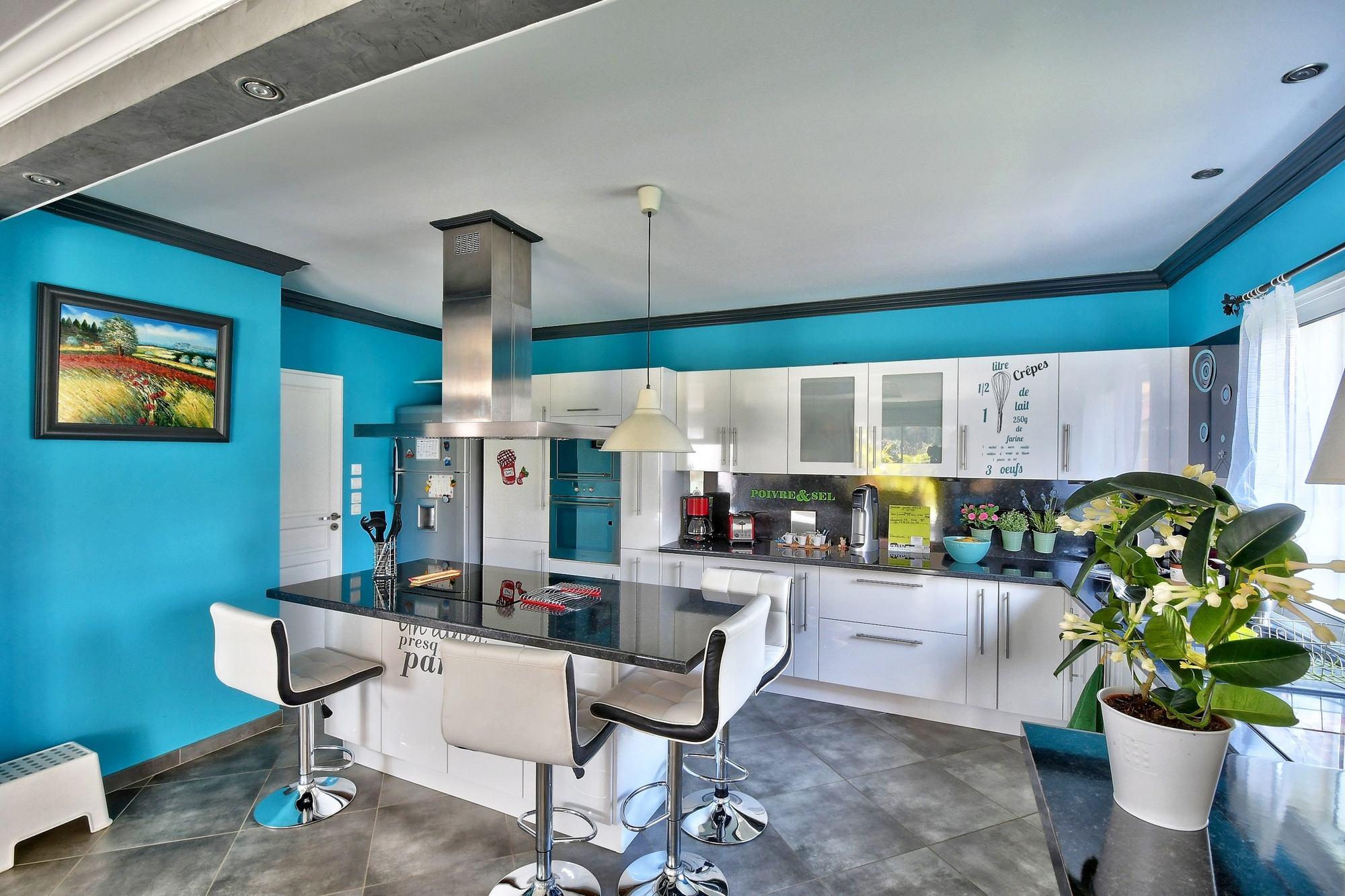 photo de la cuisine d'une maison FRANCHELEINS 01090