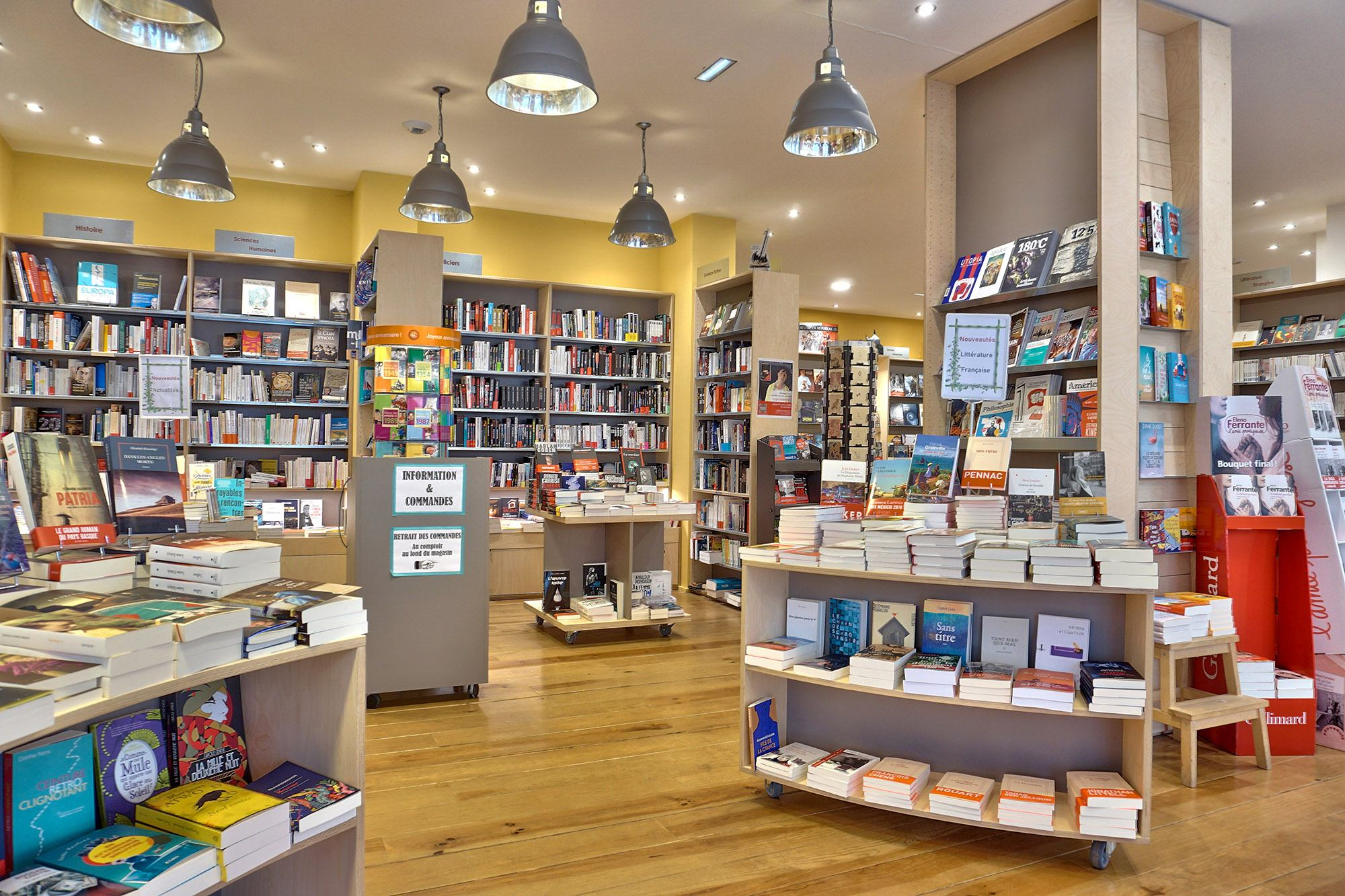 Photo de la librairie La maison jaune, rayon sciences humaines  à Neuville sur saône 69250 Rhône