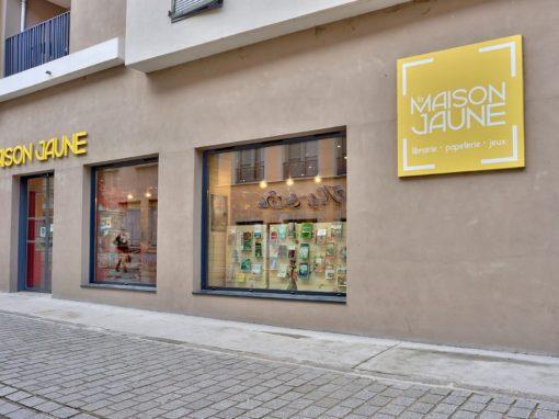 Photos pour la visite virtuelle de la librairie La maison Jaune à Neuville sur Saône 69250